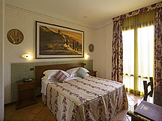 Hotel rooms accommodation in San Gimignano