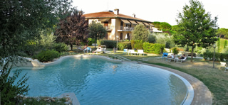 San Gimignano hotel with swimming pools